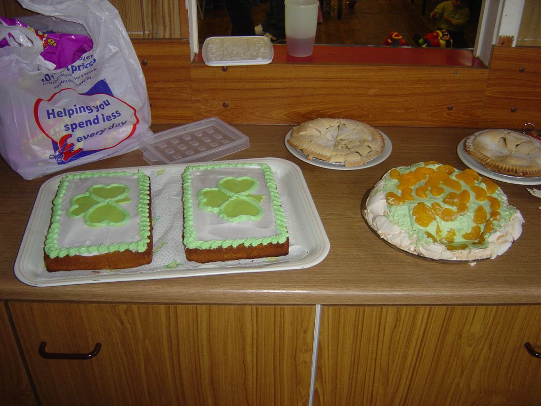 St Patrick''s Party cakes!! Yummy!